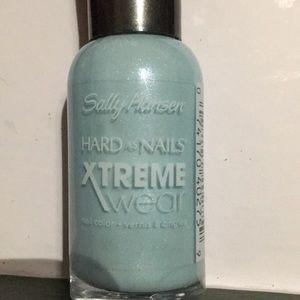 Xtreme wear nail polish